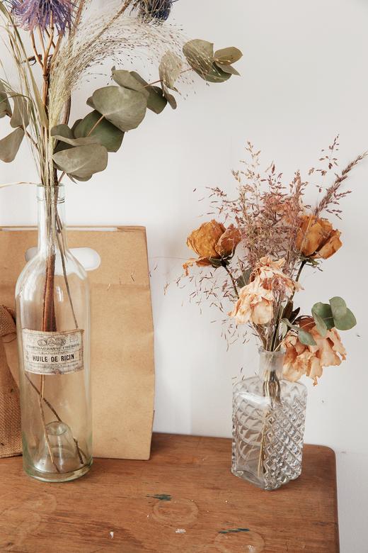 Fleurs séchées Vases en verre Atelier Jeanne Paris Maison de campagne