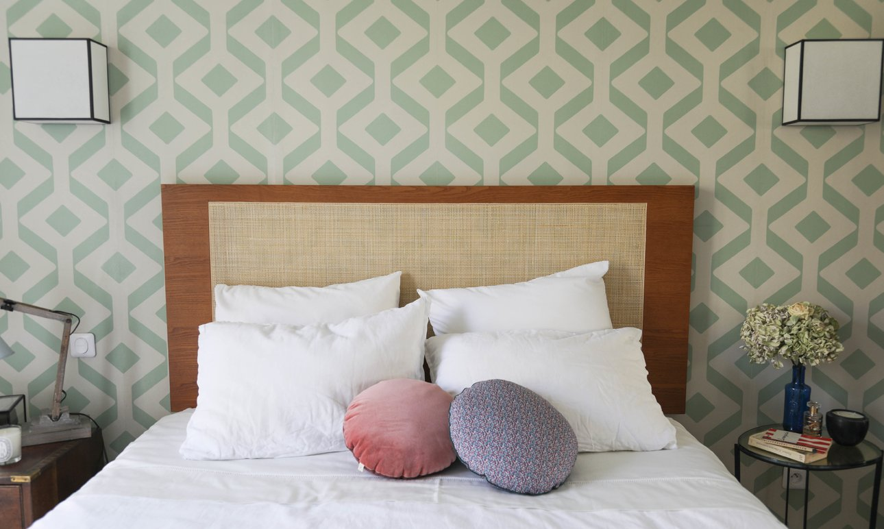 Bedroom: Don&#8217;t Forget your <br> Headboard