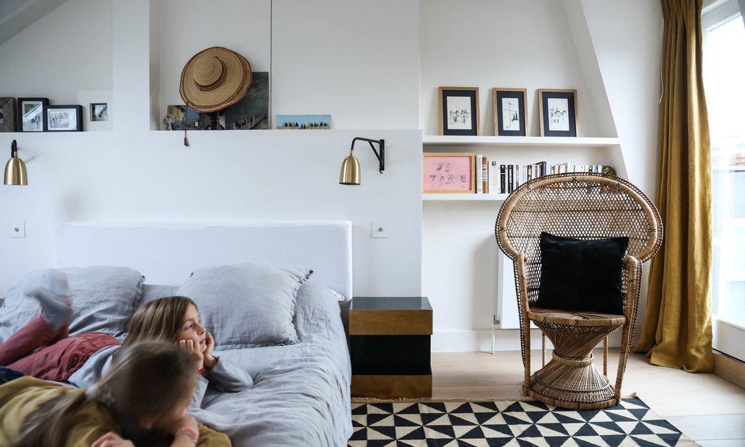 Chambre fauteuil en rotin vintage gwendoline porte maison londres