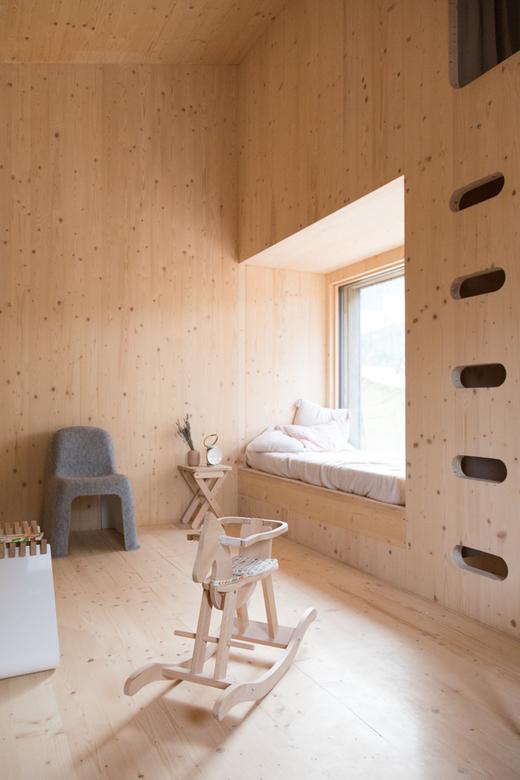 Salon Bois Jouet d'enfant Alexandre Reignier Designer Maison Aix-en-Provence