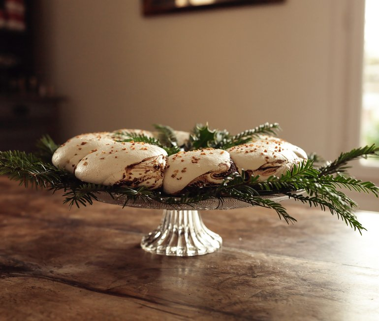 Pavlova Chocolite Family Noir Au Lait Blanc The Socialite Family x Miss Magies Kitchen