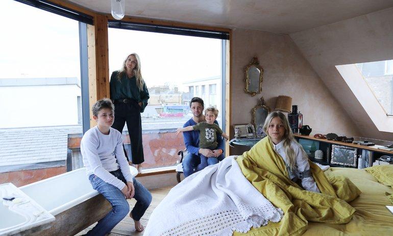 Carolina Mazzolari et Conrad Shawcross,<br> Riccardo 12, Sofia 11, Hartley 4 ans