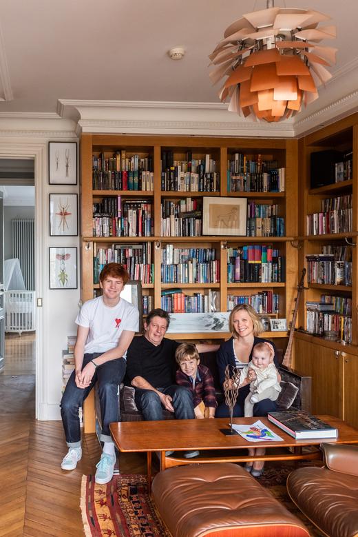 Paris Appartement Odéon Photographie de famille Elisabeth Boucher et Philippe Feinsilber
