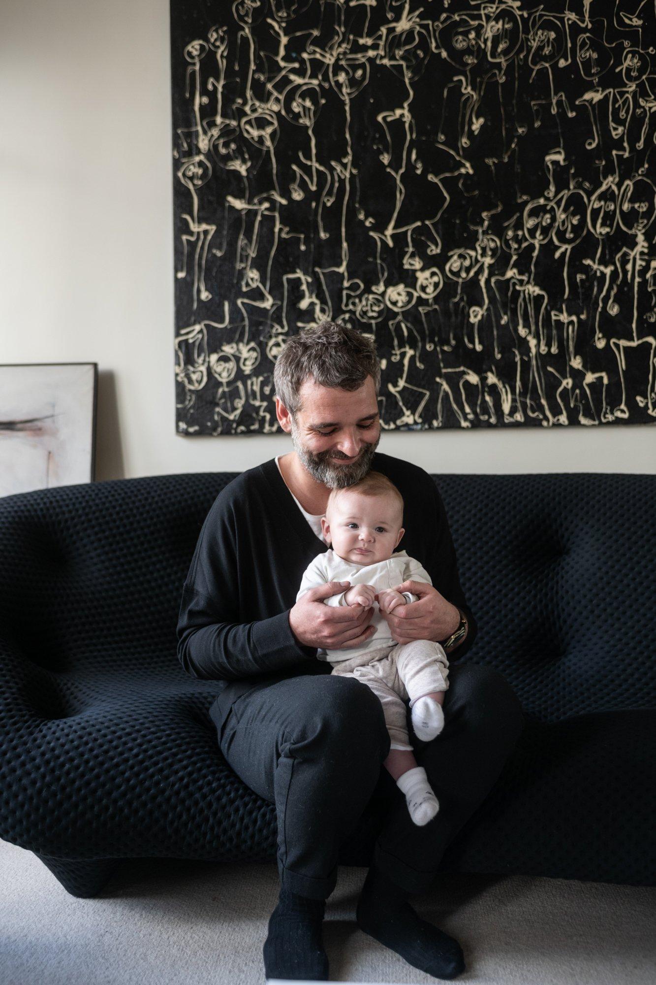 Salon Appartement Paris Fondateur Portrait Cliché Jean-Baptiste Martin Anne Sasha 5 mois