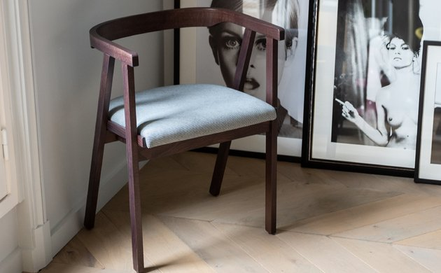 The Milano Chair, The Birth <br> of a Classic