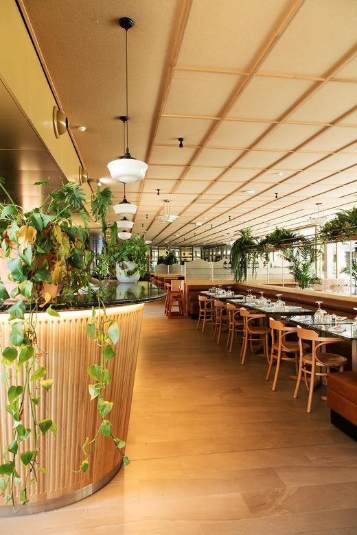 Salle restauration Brasserie ParisLongchamp Hippodrome Décoration be-poles