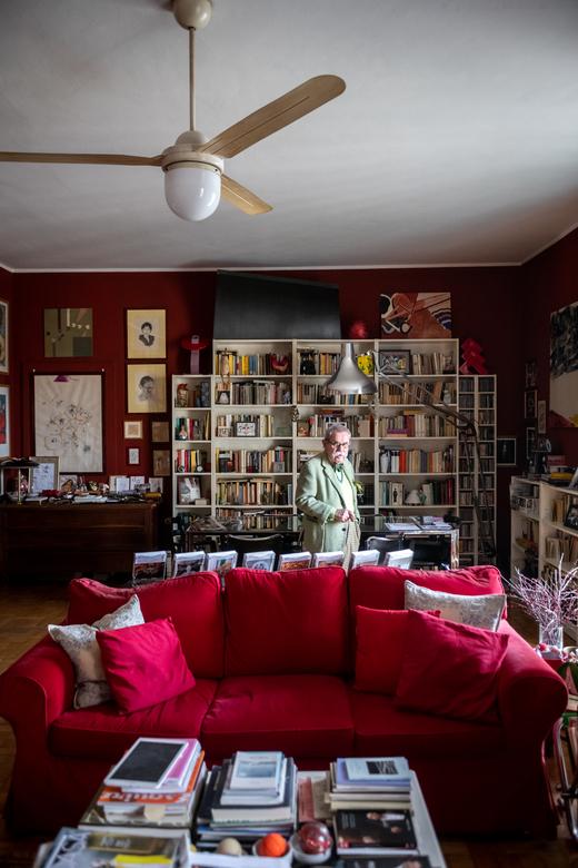 Portrait Salon Italo Manca Milan Italie