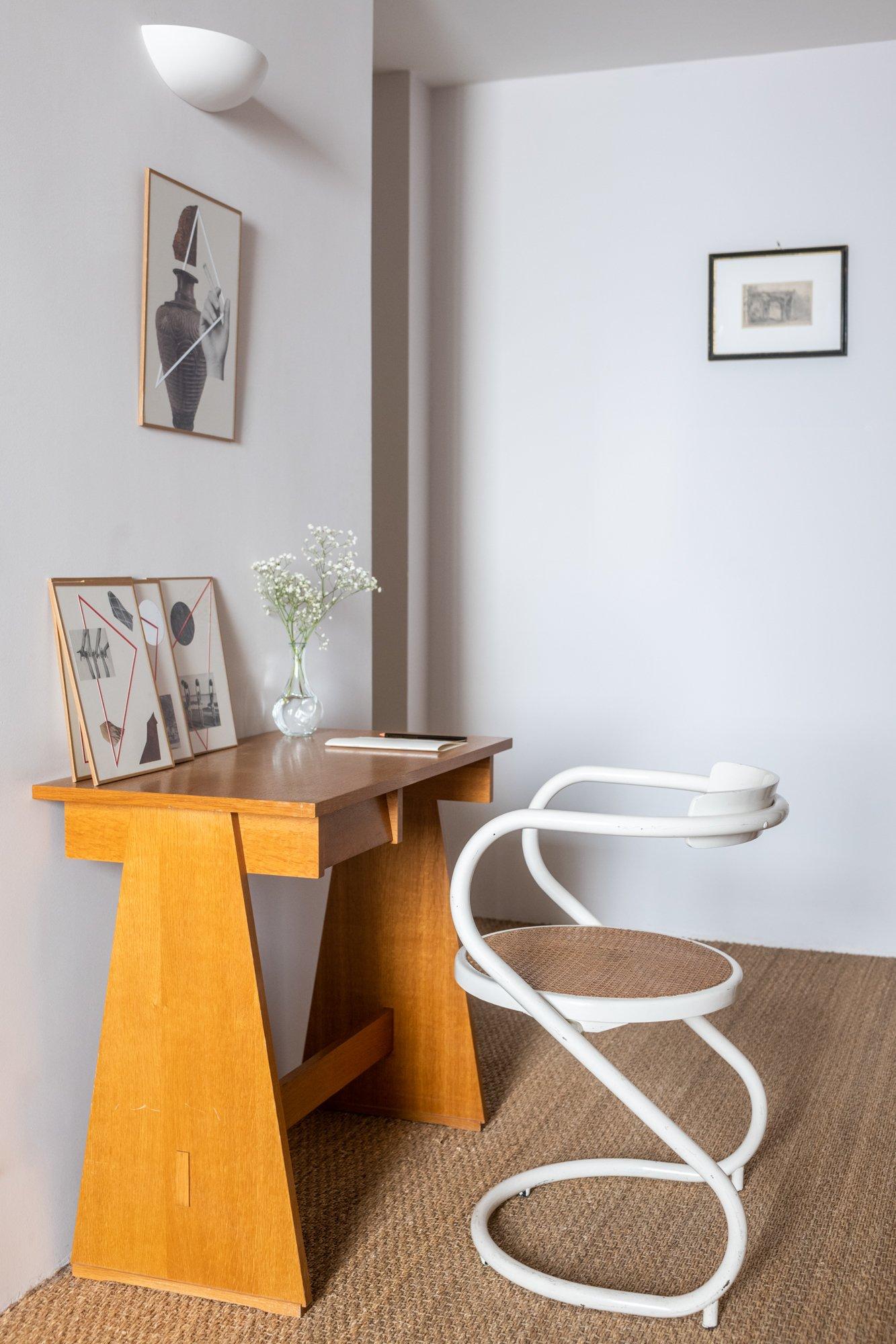 Galeriste Marchande des 4 saisons Anne Carpentier Chambre Bureau Maison hôtes Vaste Horizon Arles