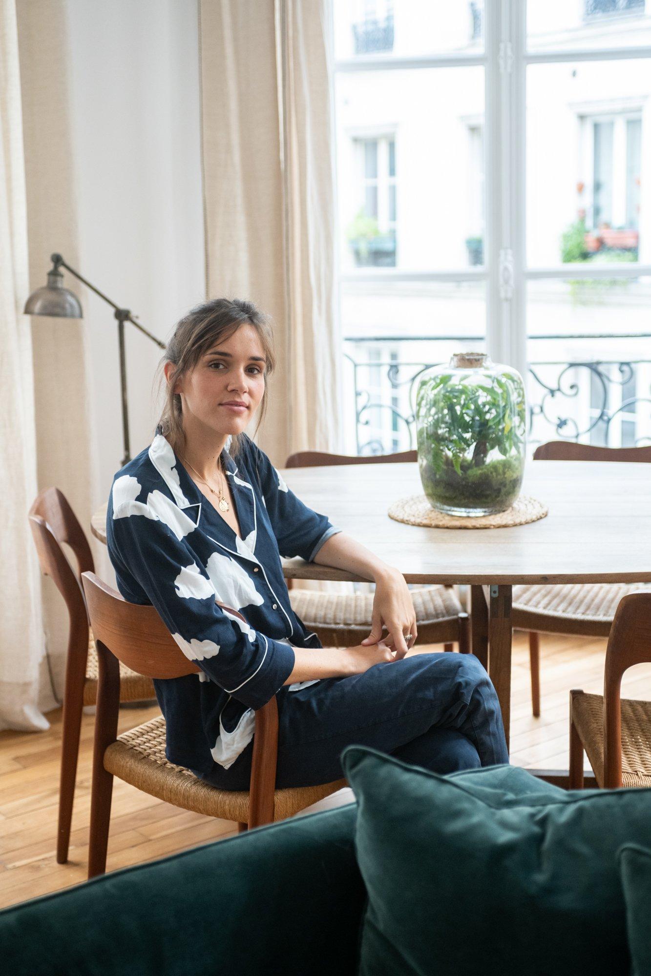 Salon Appartement Paris Marais Fondatrice Côme Éditions Portrait Clémence Dru
