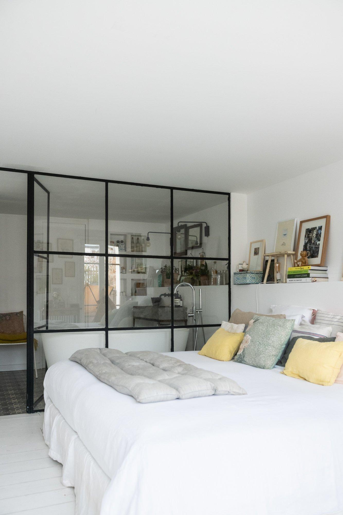 Chambre Appartement Paris Zoé de Las Cases et Benjamin Dewé
