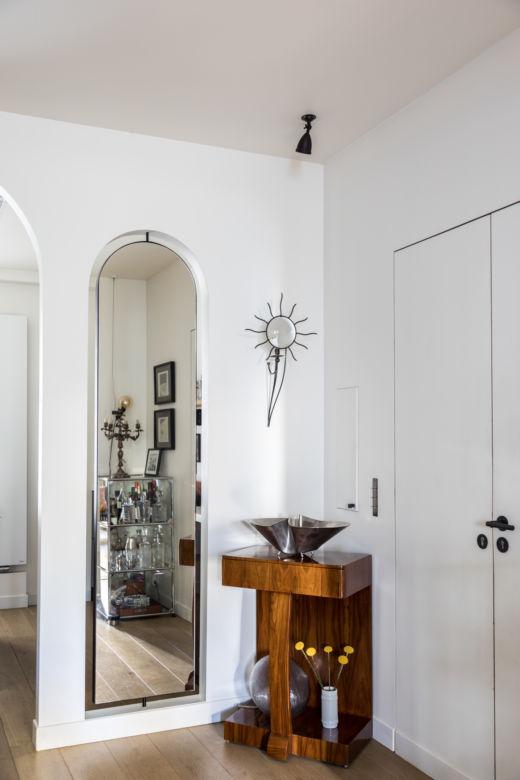 Entrée Appartement Parisien Cofondatrice Hauvette & Madani Samantha Hauvette