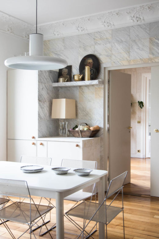 Cuisine Travertin Appartement Paris Emane de Malleray et Vincent Viard