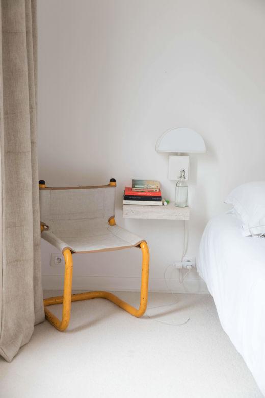 Chambre Appartement Paris Emane de Malleray et Vincent Viard