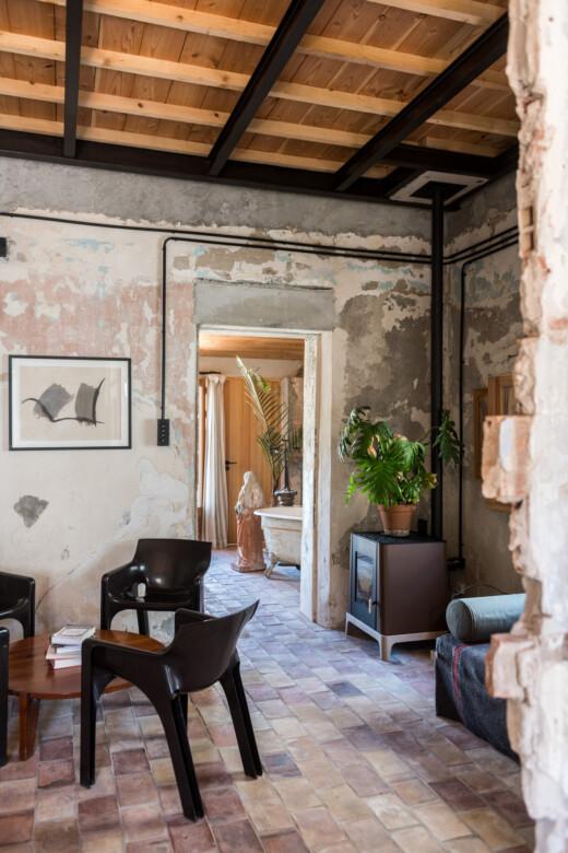 Vue en perspective sur la salle de bain chez Jogging Samena à Marseille